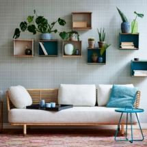 Sense sofa, natural_Box wall_On-the-move_2_F