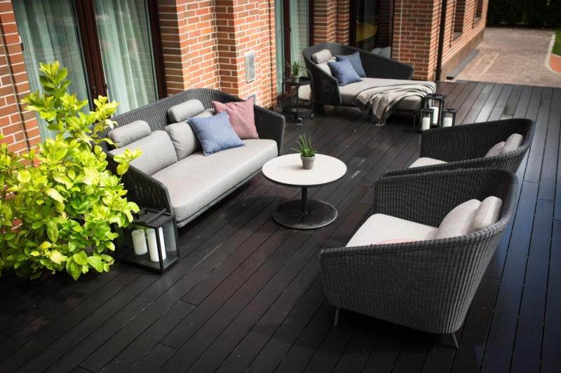 Cane-line terrace