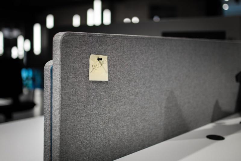 Kā savaldīt biroja trokšņus?
